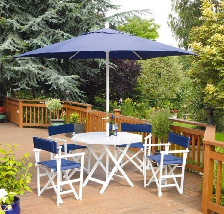 Tavolo da giardino e sedie