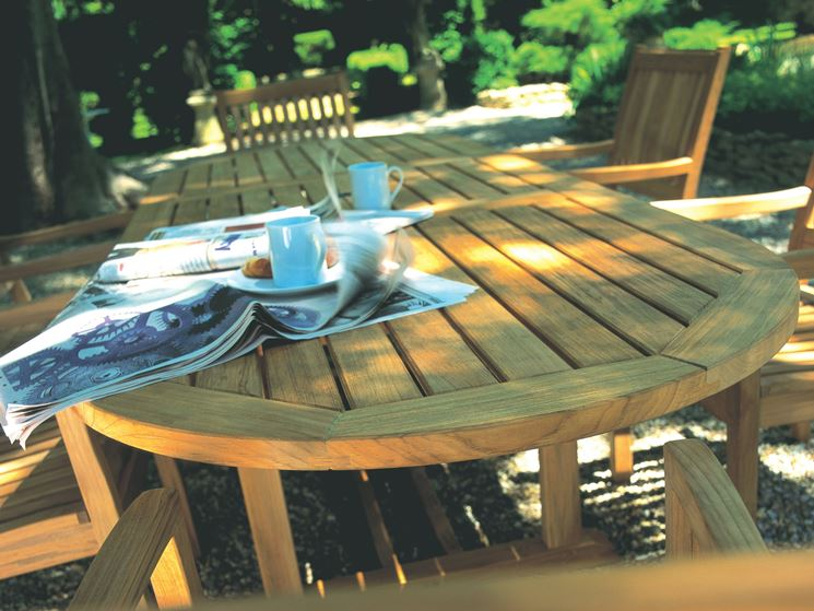 Tavoli in legno da esterno tavoli da giardino tavoli - Tavoli per esterno ...