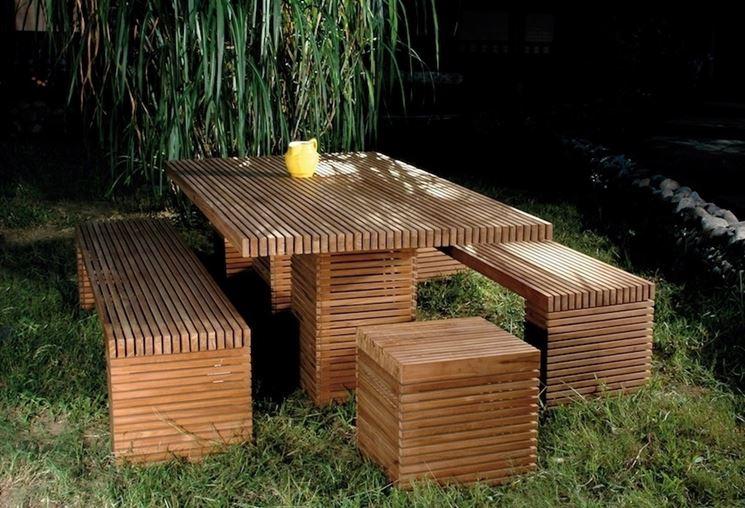 tavolo in legno particolare