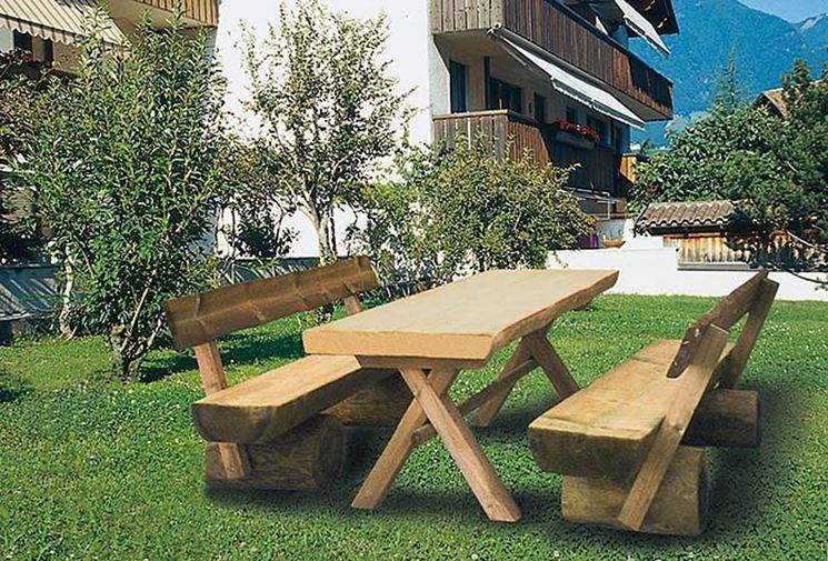 Tavolo In Legno Con Sedie Da Giardino.Tavoli In Legno Da Giardino Tavoli Da Giardino Tipologie Di