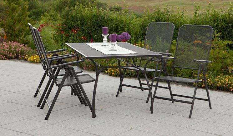 Tavoli per esterni tavoli da giardino tavolo per for Tavolini da esterno in ferro