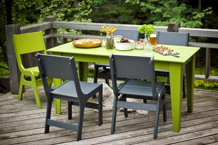 Tavolo da giardino in plastica