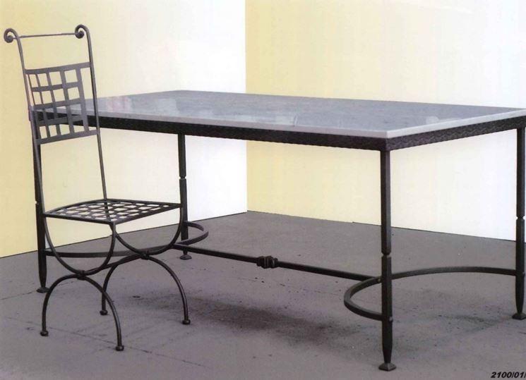 Tavolo per esterno tavoli da giardino tavoli per - Mobili da giardino in ferro ...