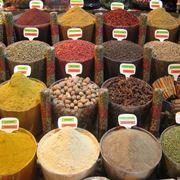 Spezie in un bazar