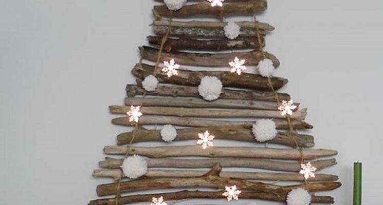 Albero di natale moderno in legno