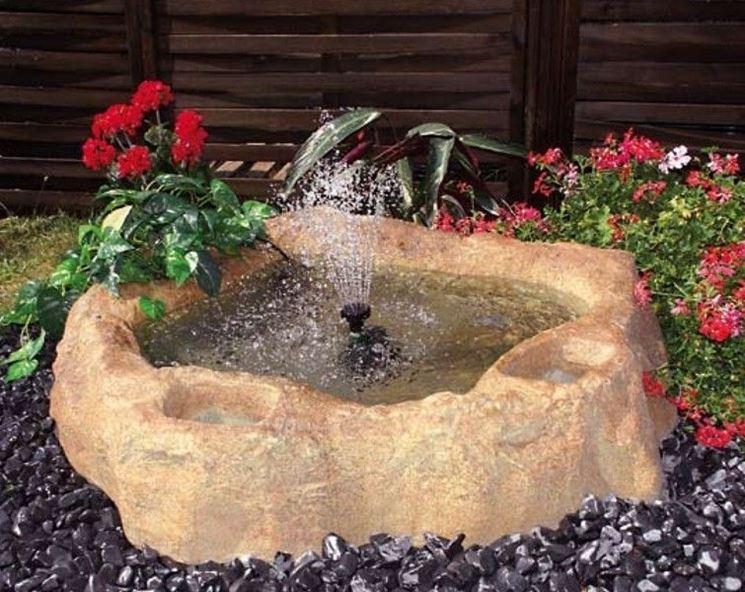 Le fontanelle e i laghetti da giardino sono tra gli articoli venduti da Gardena
