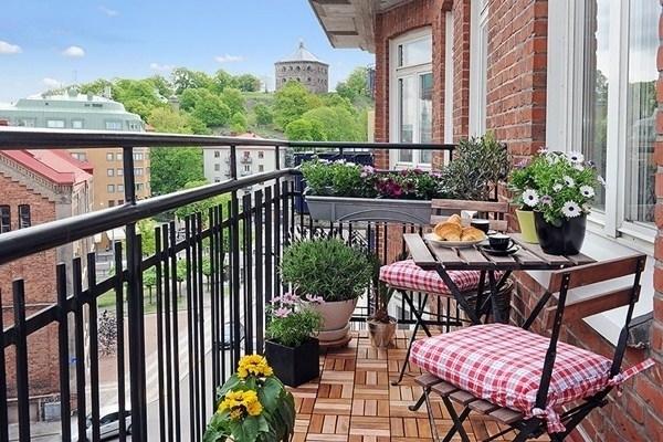 Terrazzi e balconi piante da terrazzo caratteristiche di terrazzi e balconi - Arredare balconi e terrazzi ...